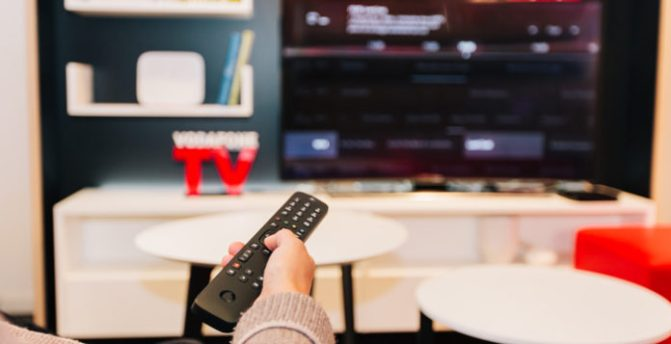 Vodafone regala ad alcuni clienti Now Tv: ecco perchè e che serie tv guardare.